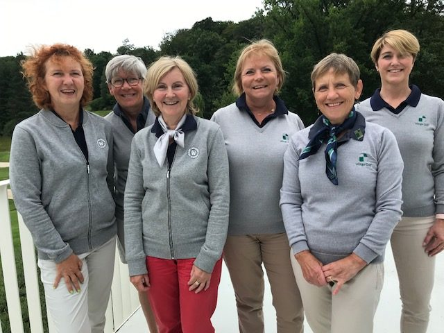 ladies team winge golf